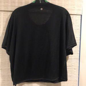 Lululemon short sleeve top. Black. Drawstring. Med